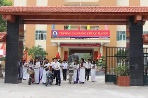 Tuyển sinh 'chui', Trường Cao đẳng Y dược Hà Nội bị 'tuýt còi'