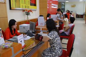 Vì sao các ngân hàng đua nhau tăng lãi suất tiền gửi?
