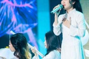Cô gái Nùng đoạt giải nhất 'Người hát tình ca' được thưởng 200 triệu