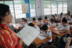 Áp lực học sinh tăng, giáo viên thiếu