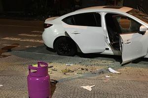 Bắt kẻ đập phá hàng loạt xe ô tô sau khi rời quán bar