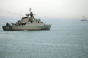 Iran tuyên bố kiểm soát Eo biển Ba Tư, sẵn sàng trả đũa Mỹ