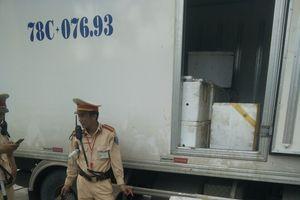 Thanh Hóa: Bắt giữ 300kg thực phẩm bốc mùi thối