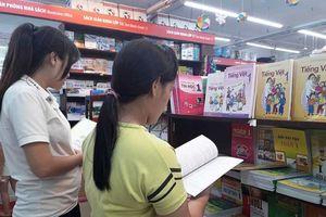 Hà Nội: Bảo đảm đủ sách cho học sinh lớp 1