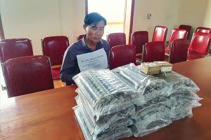 Bắt giữ đối tượng vận chuyển lượng lớn vật liệu nổ tại Nghệ An