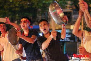 Khi mà ''chị google'' cũng ra đường ăn mừng chiến thắng của Olympic Việt Nam