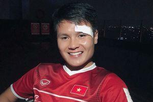 Quang Hải khoe ảnh đẹp trai dù rách mí mắt trước Olympic Syria