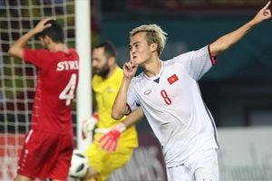Ghi 2 'bàn thắng vàng', Văn Toàn và Công Phượng thành tiêu điểm của AFC
