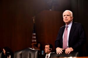 Từ sự ra đi của McCain...