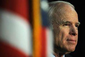Ông Trump sẽ không dự tang lễ của ông McCain