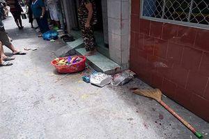 Thiếu niên đâm người khi giật đồ cúng cô hồn trên phố Sài Gòn