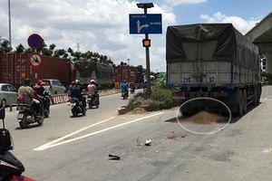 Người đàn ông tử vong tại chỗ khi bị xe tải kéo lê trên đường