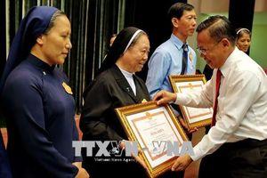 TP Hồ Chí Minh biểu dương 85 gương điển hình đồng bào Công giáo