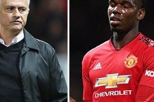 SỐC: Pogba hành xử khó chấp nhận với Mourinho sau thất bại của M.U