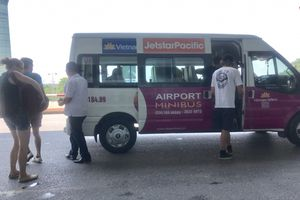 Xe AIRPORT MINI BUS chạy trá hình: Lực lượng chức năng ở đâu?
