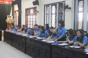 Phát huy vai trò của cán bộ nữ công trong chăm lo, bảo vệ quyền, lợi ích hợp pháp, chính đáng của lao động nữ