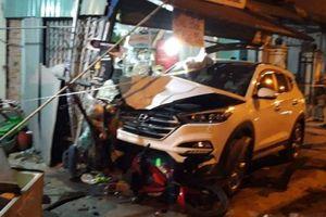 Xế hộp gây tai nạn, 2 người chết, nhiều người bị thương