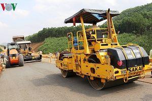 Đơn vị thuê bãi thải làm cao tốc La Sơn - Túy Loan thất hứa với dân