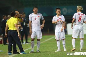 Trợ lý ngôn ngữ Lê Huy Khoa: 'Chưa bao giờ Olympic Việt Nam kiệt sức đến thế'