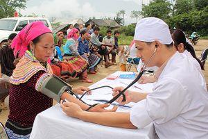 Khởi động cuộc thi ảnh 'Chăm sóc sức khỏe ban đầu cho người dân Việt Nam'