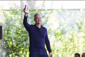 8 'thánh phán' này từng đoán iPhone thất bại toàn tập