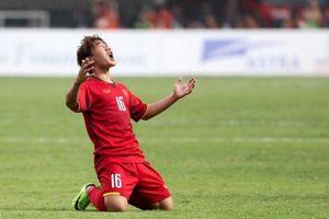 Mẹ Quang Hải: 'Cầu thủ nào cũng như con tôi, không chấn thương là tốt'