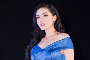 Quay lại Hoa hậu Việt Nam, Kỳ Duyên chê thí sinh catwalk 'như đi chợ'