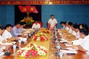 Ban Kinh tế T.Ư giám sát thực hiện Nghị quyết T.Ư 5 tại Hòa Bình