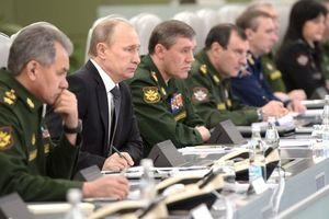 Nga sắp tập trận lịch sử, Tổng thống Putin sa thải 15 tướng