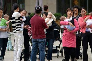 Trung Quốc dọn đường bỏ chính sách hạn chế sinh