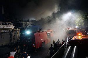 Thanh Hóa: Cháy lớn trong đêm, Giám đốc Công an tỉnh đến hiện trường