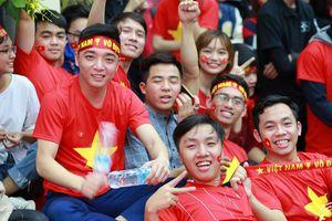 Các trường ĐH đồng loạt tổ chức cho sinh viên cổ vũ Olympic Việt Nam