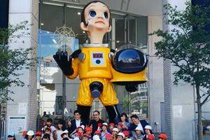 Nhật Bản dỡ bức tượng 'Em bé Mặt Trời' gây tranh cãi tại Fukushima