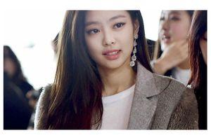 Đâu chỉ có đồ thiếu vải gợi cảm, Jennie (Black Pink) còn khiến fan nhao nhao học theo 3 style khoác thu đông
