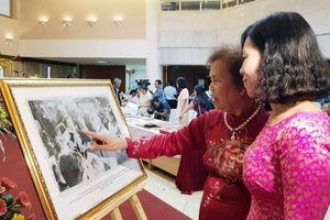 Hơn 80 hiện vật quý về Bác Hồ được trao tặng Bảo tàng Hồ Chí Minh