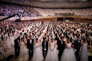 4.000 cặp cô dâu chú rể tổ chức đám cưới tập thể ở Hàn Quốc
