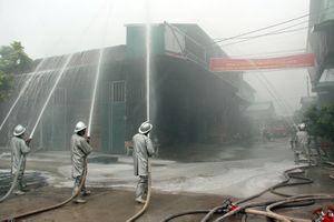 Diễn tập phòng cháy chữa cháy tại khu làng nghề