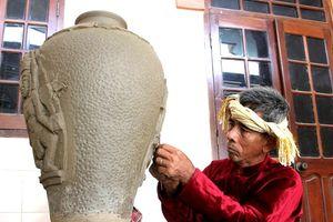 Phối hợp tham gia xây dựng hồ sơ Nghệ thuật làm gốm của người Chăm