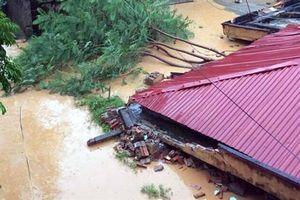 Thanh Hóa: Mưa lớn vùi lấp 3 phòng học, hai nhà máy thủy điện thông báo xả lũ