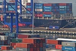 Đá tảng chi phí logistics Việt Nam