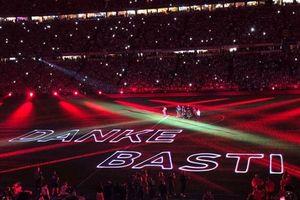 Những hình ảnh đầy ấn tượng trong đêm Bayern tri ân Schweinsteiger