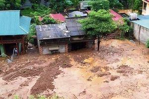 Thanh Hóa: Trước thềm khai giảng, mưa lớn tại miền núi gây đổ nhà, sập trường