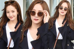 Shock khi ảnh chụp tại sân bay của 'Thư ký Kim' Park Min Young đẹp hơn tạp chí