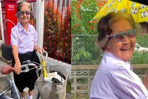 Cụ bà 84 tuổi mặc đồng phục, đạp xe đi thi học kỳ lớp 6 được cộng đồng mạng yêu thích