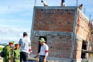 Phó bí thư Chi bộ thôn lấn chiếm đất công xây nhà trái phép