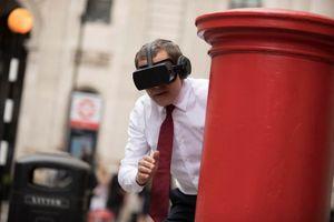Cười 'vỡ bụng' khi vua hài Mr Bean sử dụng công nghệ hiện đại