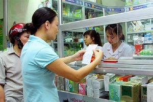 Nhà thuốc vẫn bán kháng sinh tùy tiện vì… mức phạt quá thấp, quản lý lỏng lẻo