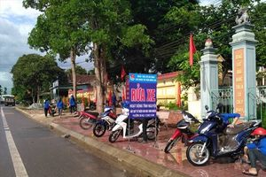 Hà Tĩnh: Rửa xe gây quỹ giúp học sinh nghèo trước thềm năm học mới