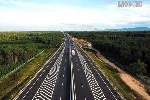 Chùm ảnh: Cao tốc Đà Nẵng - Quảng Ngãi nhìn từ trên cao