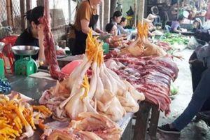 Nghệ An: Sau mưa lũ giá rau xanh, giá heo hơi, cá tăng chóng mặt
